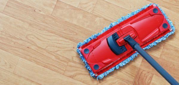 Как и чем мыть ламинат, чтобы не было следов, в домашних условиях — действенные методы