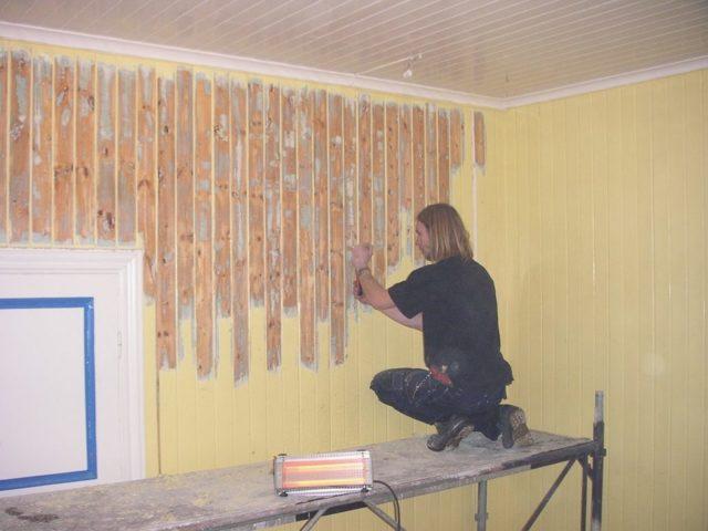 Как снять старую краску со стен: лучшие способы
