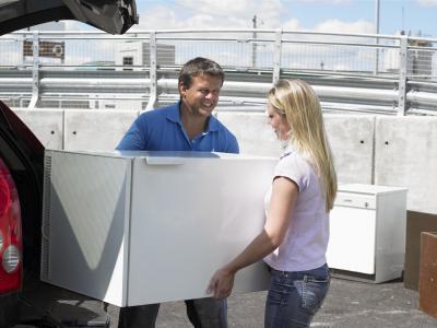 Как перевозить холодильник: правила, советы, нюансы
