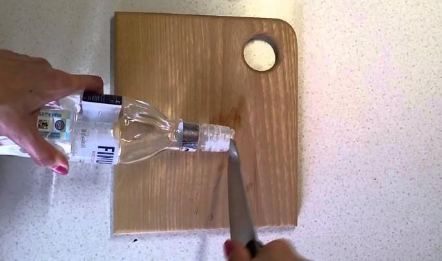 Как вытащить дозатор из пластиковой или стеклянной бутылки: инструкция