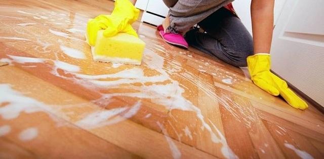 Зачем мыть полы с уксусом после покраски, в каких пропорциях разводить вещество