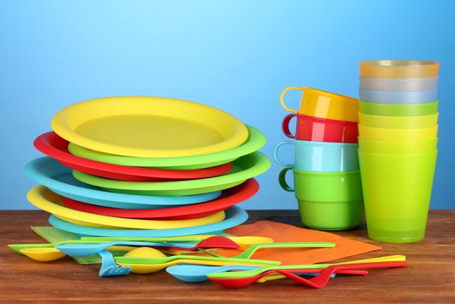 Почему нельзя хранить посуду с отбитыми краями: предостережения и советы