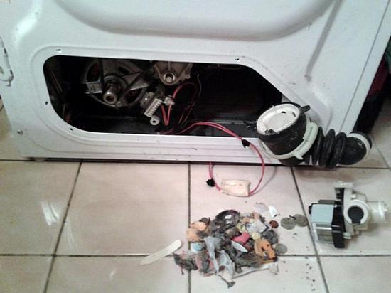 Стиральная машина не сливает воду - причины и что делать