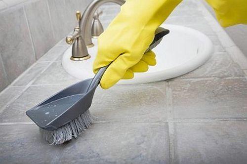 Как избавиться от плесени в ванной в домашних условиях и очистить швы между плитками?