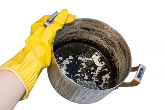 Как очистить алюминиевую кастрюлю до блеска подручными средствами?