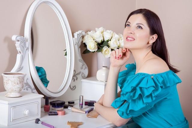 Как хранить косметику: 4 шага на пути к порядку в косметичке