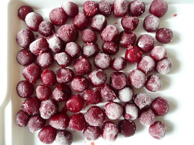 Как заморозить на зиму черешню в холодильнике и морозильной камере: 4 простых способа