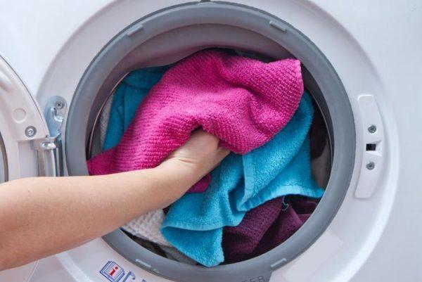 Как отстирать застиранные махровые полотенца и восстановить их мягкость?