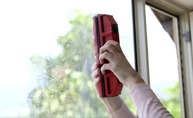 Приспособление для мытья окон с двух сторон – обзор популярных моделей