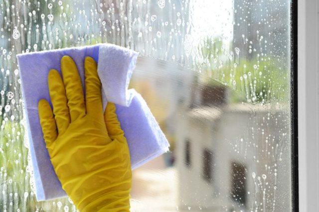 Почему нельзя мыть окна в солнечную погоду – 4 главные причины