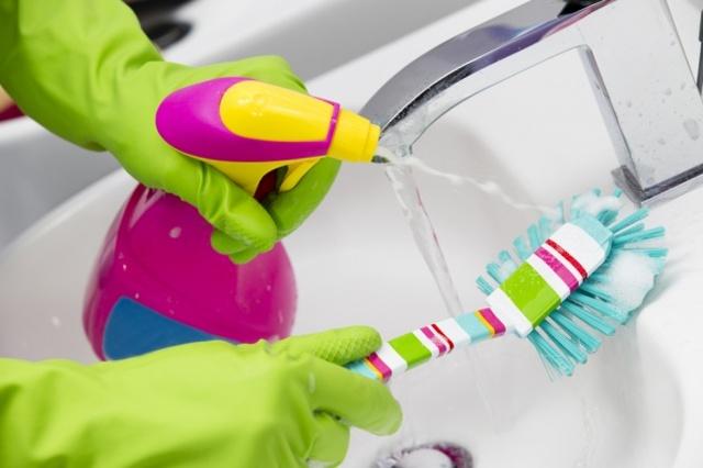 Моющие средства для кухни: чем мыть посуду, плиту, раковину и пол