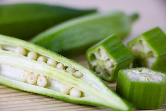 Что такое бамия, и как её едят: вкус, польза, рецепты, особенности приготовления