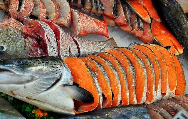 Сколько хранится жареная рыба в холодильнике - сроки годности замороженного и охлажденного блюда