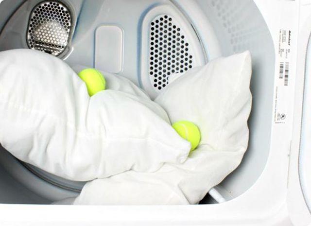 Как в домашних условиях почистить перьевые подушки: основные правила