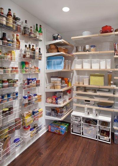 Что можно делать во время уборки квартиры? Лучшие идеи