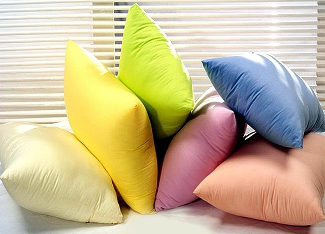Как постирать пуховую подушку в домашних условиях в стиральной машинке?