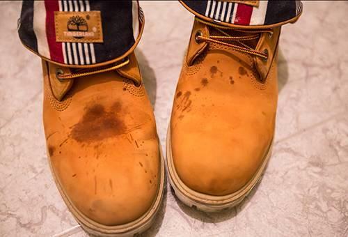 Как восстановить замшевую обувь: 4 способа обновить любимые сапожки