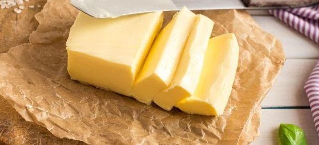 Сколько хранится сливочное масло в холодильнике и в морозилке