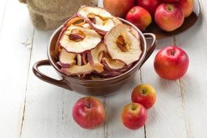 Как хранить сушеные яблоки в домашних условия: советы