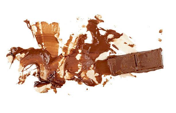 Как вывести пятно от шоколада с одежды, чтобы не осталось следов?