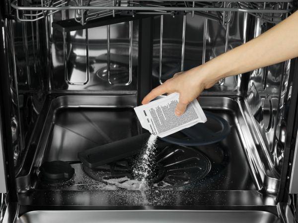 Как почистить посудомоечную машину лимонной кислотой и можно ли это делать