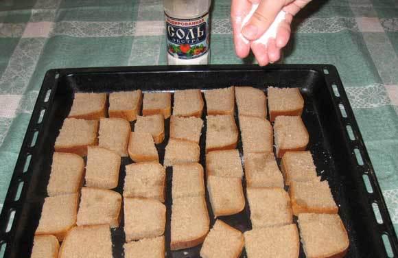 Как правильно сушить сухари в духовке - сколько по времени и при какой температуре