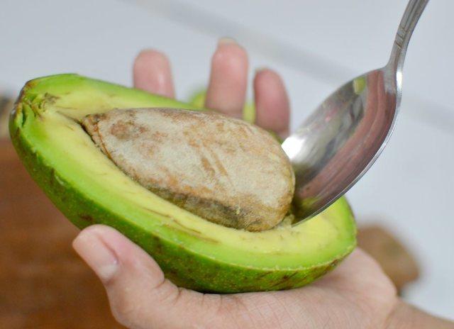 Как чистить авокадо: способы и рекомендации