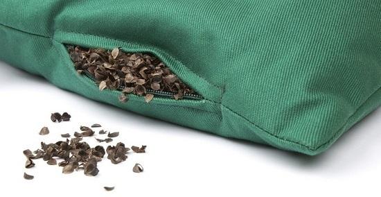 Подушка из гречневой лузги – польза и вред при регулярном использовании