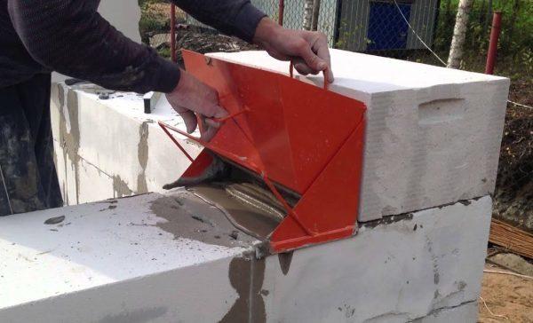 Клей для газобетона – что это и как им пользоваться