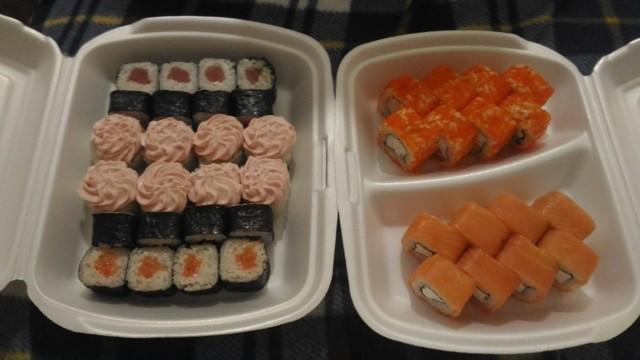 Сколько можно хранить суши и роллы в холодильнике?