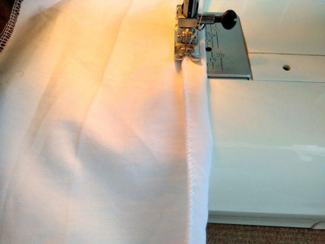 Как правильно и красиво сложить простынь на резинке: пошагово 4 способа