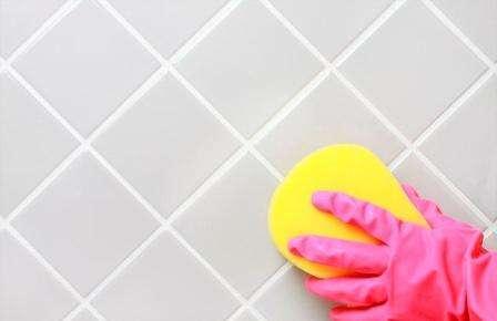 Как и чем мыть кафельную плитку, чтобы блестела: проверенные средства