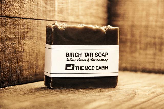 Можно ли мыть полы мылом – хозяйственным, дегтярным, жидким